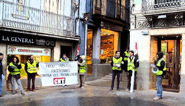 Amenaces, difamacions i mobbing en un grup de botigues de roba d'Olot